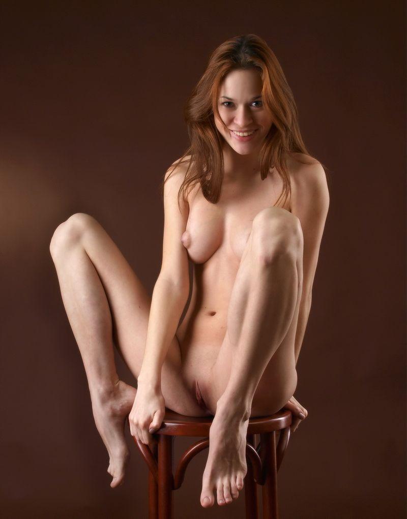 фото голая в фотостудии