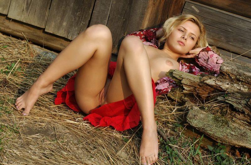 голые ножки девушки фото