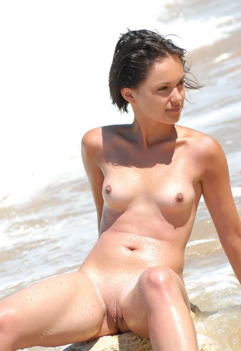 little sexy bikini model torrents