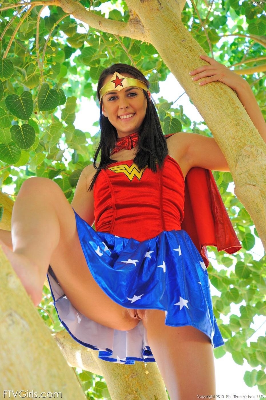 Alannah wonder woman (16).jpg
