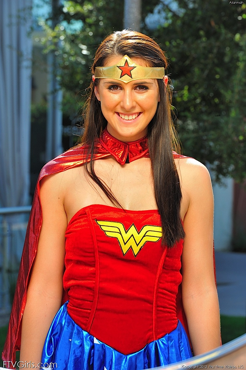 Alannah wonder woman (17).jpg