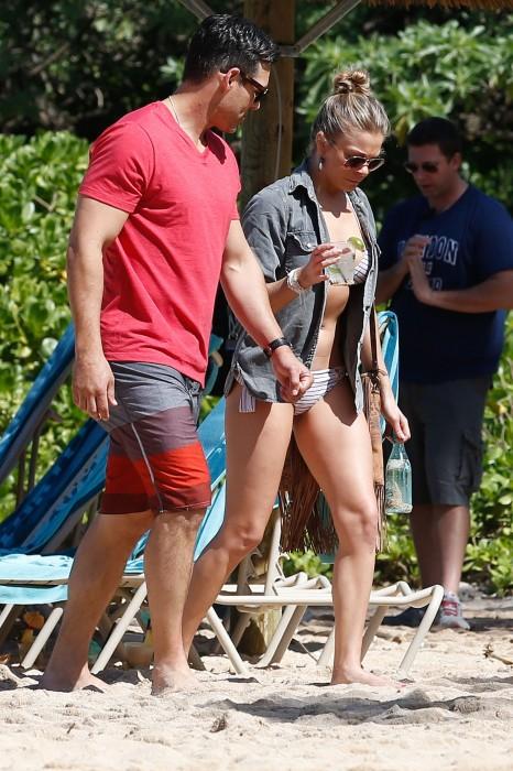 LeAnn Rimes bangtidy net 416013 466x700 LeAnn Rimes – wearing a bikini in Mexico