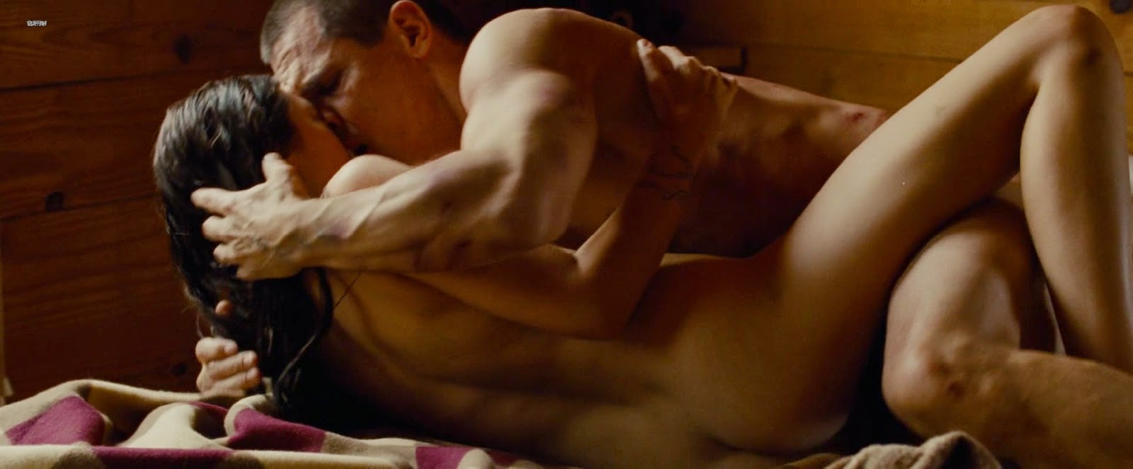 Naked Missy Peregrym in Rookie Blue lt ANCENSORED