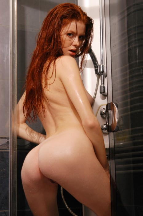 tanya_red_shower_hires_039.jpg (684 KB)
