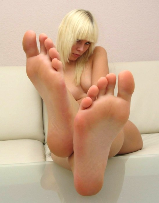 Has a pantyhose fetish and when