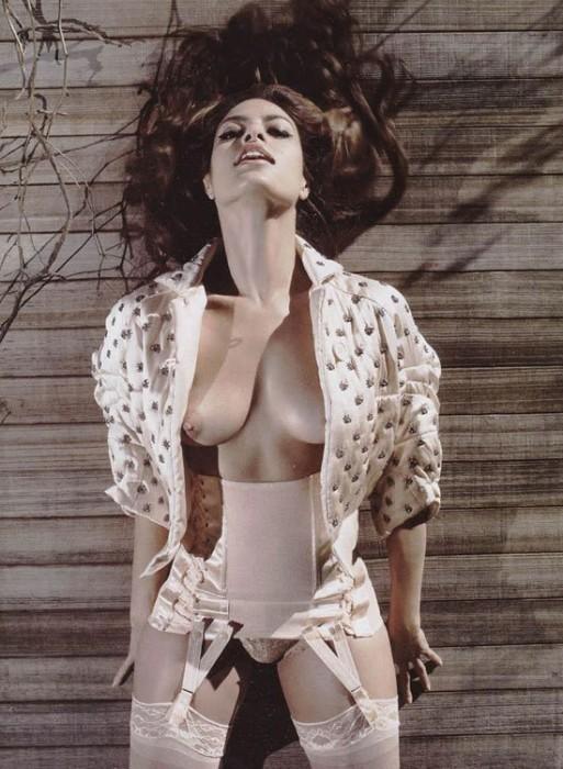 breasts.jpg (114 KB)