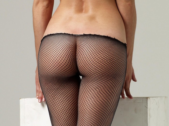 Ass in fishnet.jpg (1 MB)