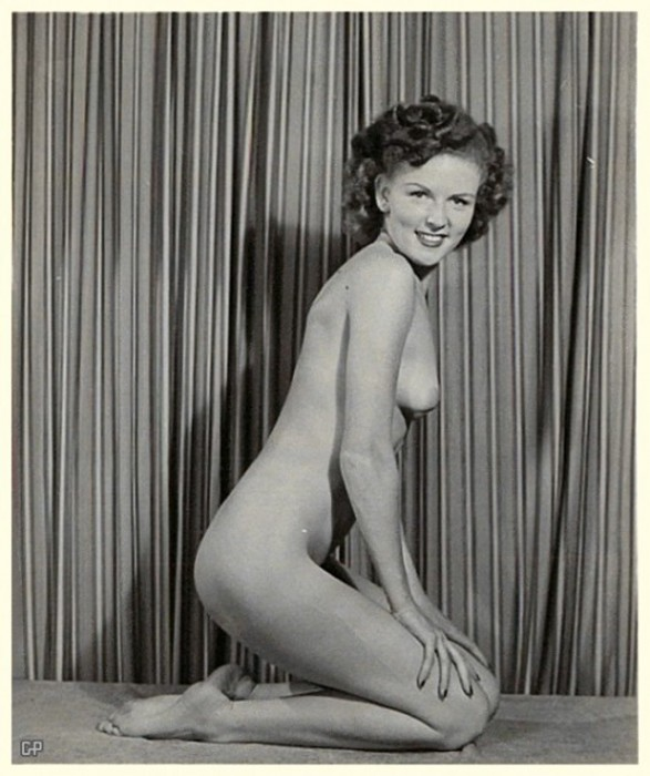 640_betty-white-naked12611.jpg (267 KB)
