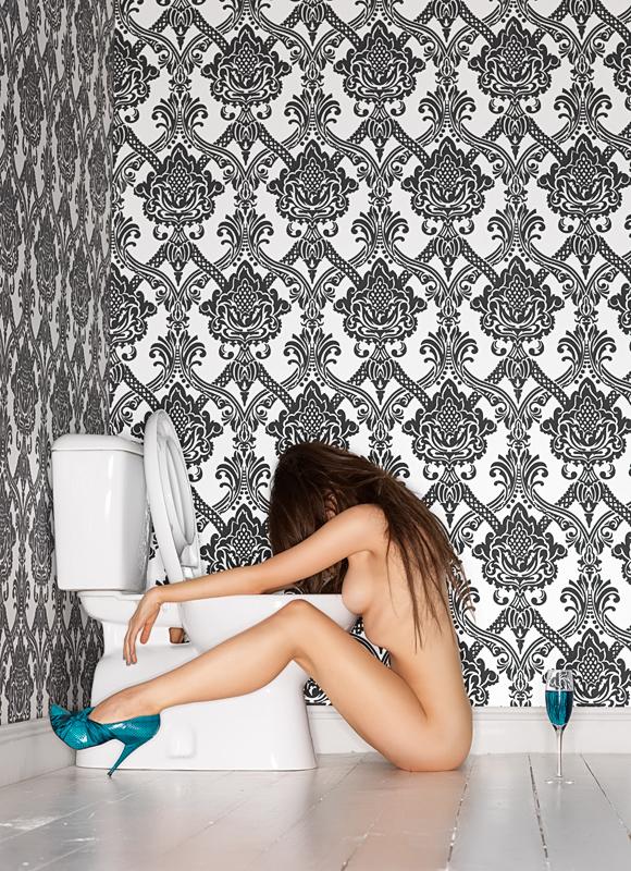 Peter-Coulson-Toilet-Girl.jpg