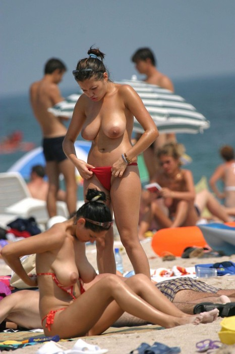 red-bikini-tops.jpg (275 KB)
