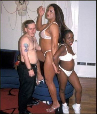 worst.threesome.ever_.jpg (33 KB)
