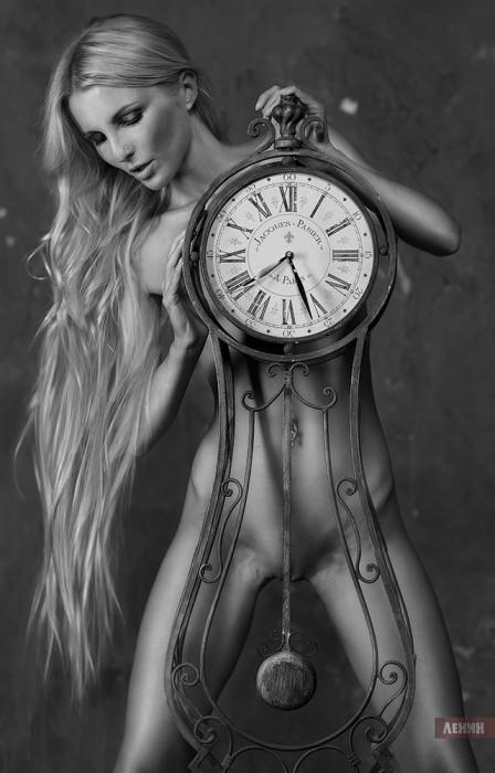 clock.jpg (345 KB)