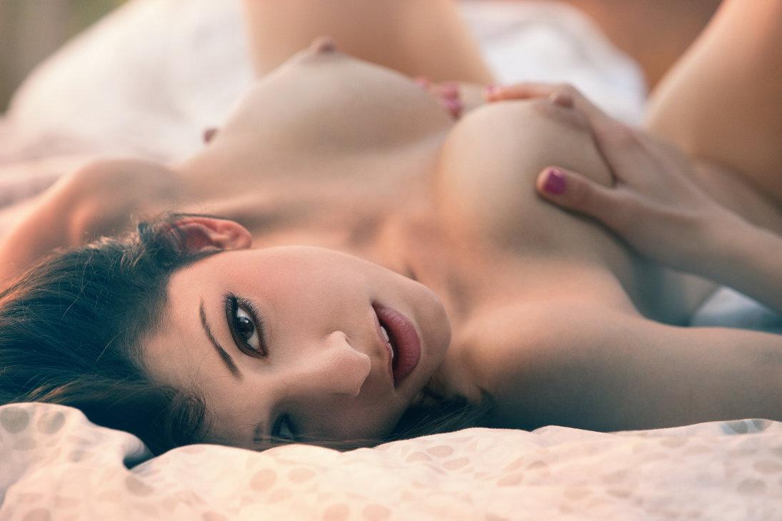 Голей девушки оргазм