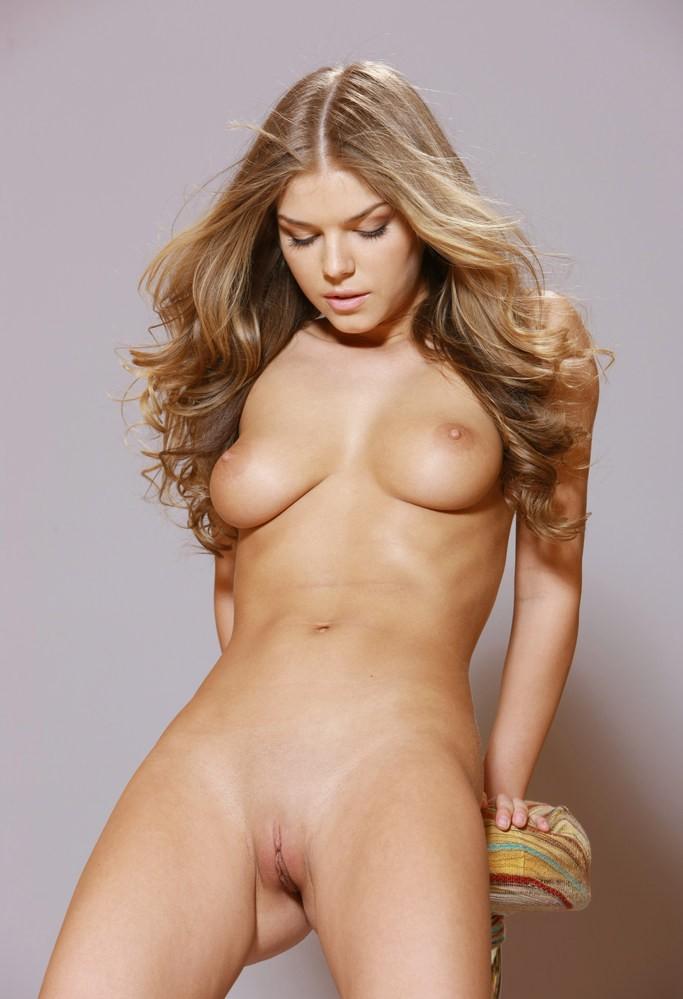 fergie nude ass