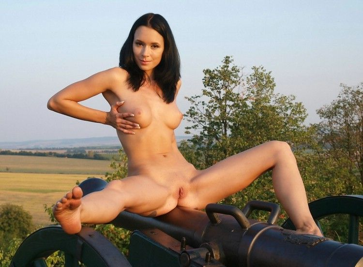 rachel cannon nude pics