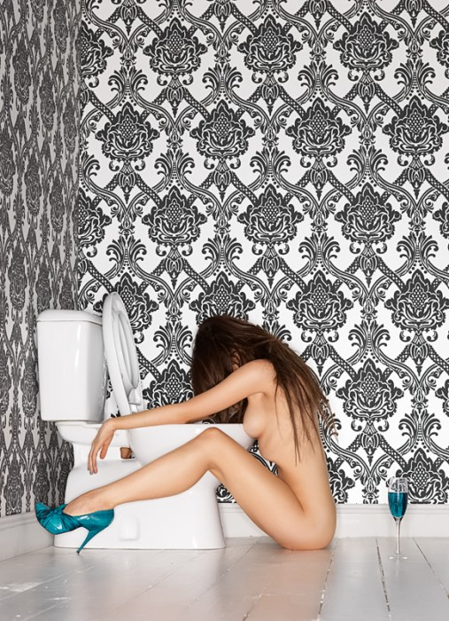 Peter-Coulson-Toilet-Girl.jpg (472 KB)