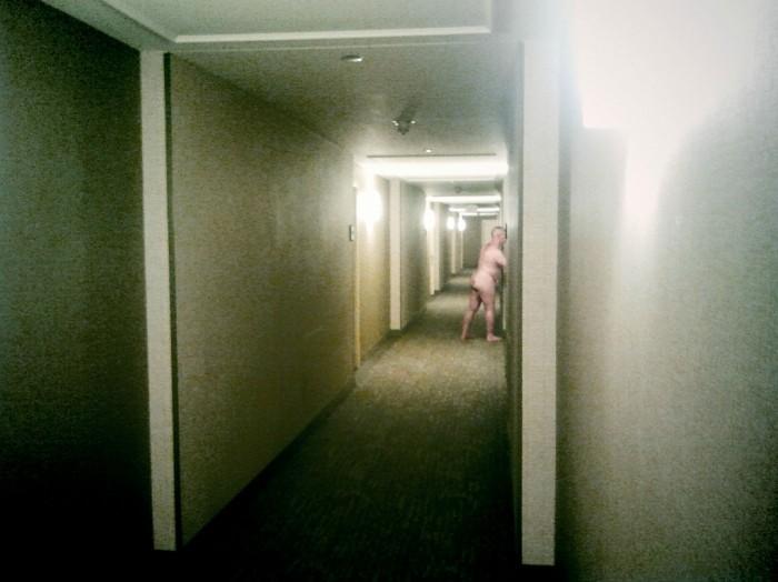 hotel-hallway.jpg (458 KB)